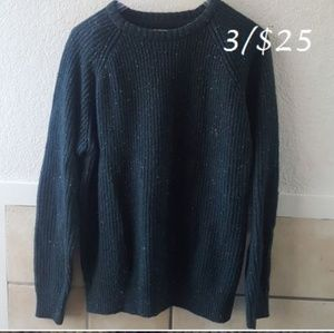 Green Weatherproof vintage wool blend sweater.